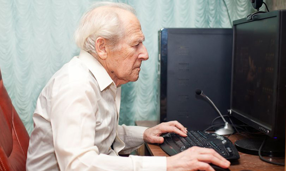 old_man_computer_12955425_m - 560
