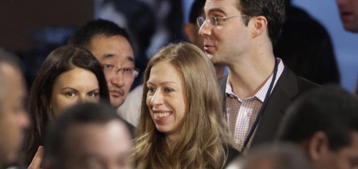 Chelsea Clinton with  husband Marc Mezvinsky. (AP Photo - Mark Lennihan)